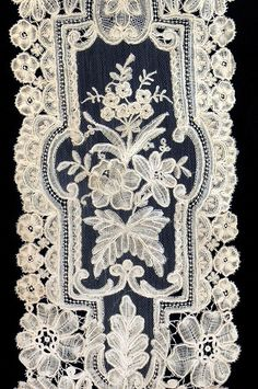 Bobbin & Needle-Lace Lappet, Honiton, 19th Century.