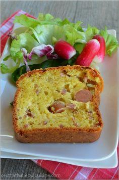 Cake emmental lardons et saucisses - Le blog de C'est Nathalie qui cuisine