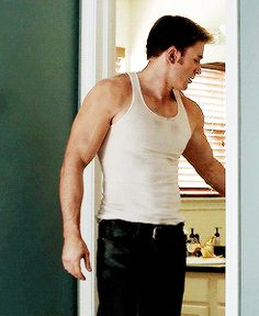 Steve Rogers / Captain America (Chris Evans)