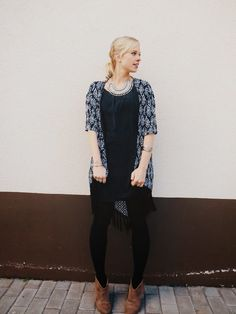 deb shops aztec print kimono, barefoot belle statement necklace, booties, boho outfit