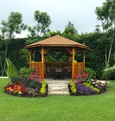 Gazebo de madera / wooden Gazebo... Beautiful