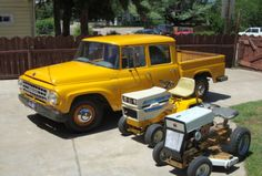 This 1968 International Harvester 1200C (chassis 283205H826404) is a cool V8/4-speed 4x4 truck that's claimed to be in running, drivable condition. Further said to be free of heavy damage or major rust, dozens of photos seem to confirm both claims despite quite a few battle scars, pervasive surface