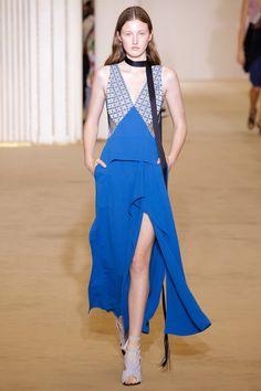 #RolandMouret  #fashion  #Koshchenets  Roland Mouret Spring 2017 Ready-to-Wear Collection Photos - Vogue