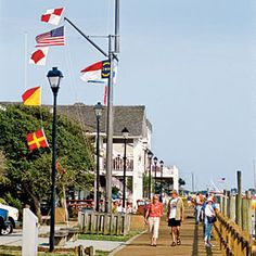 Outdoor Living    Beaufort, North Carolina    This diverse small town is located at the southern end of the Outer Banks, this town (pronounced BO-fort) satisfies outdoor enthusiasts with endless beach activities.