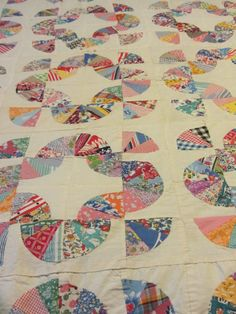 Antique Grandmother's Fan Quilt by LinenRibbonandLace on Etsy, $98.00