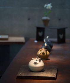 O chá é a bebida mais suavemente agradável que se pode oferecer ao nosso paladar. Hoje estamos divididos entre o elegante chá Verde Shan Jasmin do Vietname e o exótico Oolong Osmanthus da Tailândia. Enjoy!! visite a nossa Concept Store, esperamos...