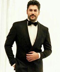 Turkish Men, Turkish Actors, Handsome Arab Men, Burak Ozcivit, Cute Stars, Perfect Man, Kara, Suit Jacket, Drawing