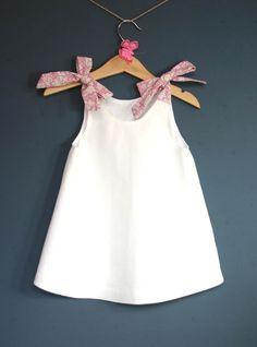 Diy kids dress inspiration Ideas for 2019 Baby Girl Dress Patterns, Baby Dress Design, Baby Clothes Patterns, Cute Baby Clothes, Clothing Patterns, Kids Frocks, Frocks For Girls, Dresses Kids Girl, Little Dresses
