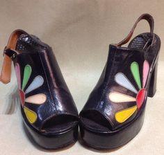 70s Shoes, Crazy Shoes, Sock Shoes, Cute Shoes, Me Too Shoes, Shoe Boots, Mode Vintage, Vintage Shoes, Back Strap Heels