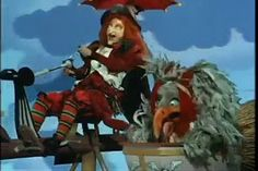 R PUFNSTUF INTRO -bit creepy hahah, good example of kind of opening that tells u the overarching story/introduces characters -popular style for onrunning shows, similar is done in danny phantom etc Great Tv Shows, Old Tv Shows, Kids Shows, Dracula, Hr Puff N Stuff, Tv Theme Songs, Tv Themes, Saturday Morning Cartoons, Childhood Days