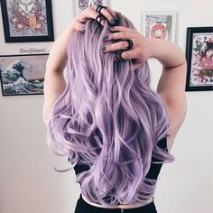 46 Purple Hair Styles That Will Make You Believe In Magic Pastell gewellte lange Frisur # pastelhaircolor Entdecken Sie trendige lila Haarfarbe Ideen. Light Purple Hair Dye, Hair Color Purple, Cool Hair Color, Pastel Purple Hair, Purple Hair Styles, Purple Bob, Balayage Hair Purple, Cute Hair Colors, Purple Style