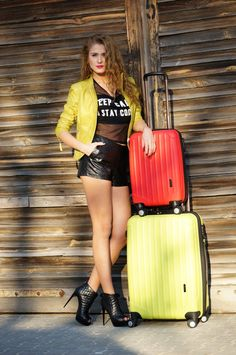 neony ochnik, neony, markowe torebki, walizki ochnik, walizki neonowe, jak nosić neony,  (1)