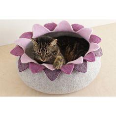 Flower Petal Cat Bed
