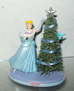 HALLMARK CINDERELLA WITH CHRISTMAS TREE ORNAMENT