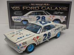 1965 FRED LORENZEN #28 FORD GALAXIE *AUTOGRAPHED* 1/24 UNIVERSITY OF RACING LEGENDS DIECAST
