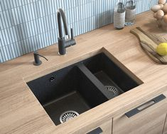 A Lavello Luxor is a premium, composite granite kitchen sink that is made to last, look and perform. Specification Length: 30 Width: 19 Bowl: 15 (length) x 14 (width) x 7 (depth). Granite Composite Sinks, Composite Kitchen Sinks, Granite Kitchen Sinks, Inset Sink, Bus Living, Black Sink, Single Bowl Kitchen Sink, Wood Countertops, Kitchens
