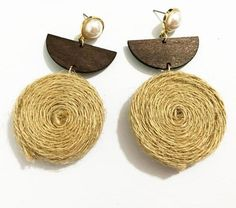 How to Wear and Pair Your Pearl Earrings Fabric Earrings, Wooden Earrings, Fabric Jewelry, Diy Earrings, Earrings Handmade, Handmade Jewelry, Gold Earrings, Cheap Jewelry, Simple Jewelry