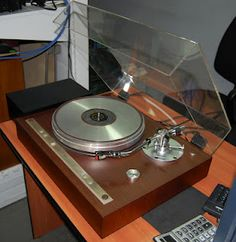 HiFi Collector: Vintage Audio Photos Page Two Hi Fi System, Audio System, Audiophile Turntable, High End Turntables, Record Players, Vintage Records, Hifi Audio, Old Tv, Dj