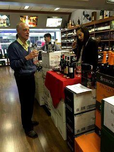 Chaves Oliveira Wines na Feira de Vinhos da Venews Bebidas em São Paulo.  Foram degustados os vinhos: - Barbera D'Asti Patrizi  - Piemonte Rosso Passo del Bricco Patrizi  - Nero D'Avola Tola  - Chianti Badiolo 2015 - Primitivo di Manduria Diodoro  www.chavesoliveira.com.br / ( 11 ) 2155 0871 — sgrael@chavesoliveira.com.br