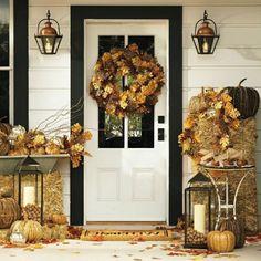 stilvolle Herbstdeko Hauseingang