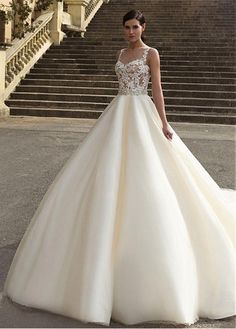 Buy discount Gorgeous Tulle Bateau Neckline A-line Wedding Dresses with Lace Appliques at Magbridal.com
