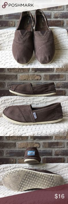 TOMS Women's size 8 brown TOMS. They have been worn. TOMS Shoes Flats & Loafers