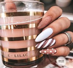 60 Stunning festive Christmas nail art designs # Christmas nail art designs Random nail designs Related posts: The cutest and festive Christmas nail designs to celebrate The cutest … Xmas Nails, Holiday Nails, Halloween Nails, Christmas Nails 2019, Holiday Makeup, Nude Nails, Gel Nails, Manicures, Bronze Nails