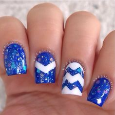 Talk about perfect for schools whose colors are blue and white!  Go Kentucky Wildcats!