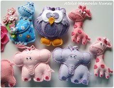 Feltro: Conjuntos de Chaveiros Sortidos by Ateliê Manoela Nunes, via Flickr