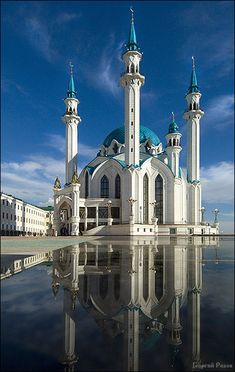 Kul Sharif Mosque, Kazan, Russia located in the combination Sagittarius with Leo for Ancient Greek Architecture, Islamic Architecture, Beautiful Architecture, Art And Architecture, Beautiful Mosques, Beautiful Castles, Grand Mosque, Amazing Buildings, Islamic World