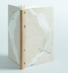 La Couleur du Vent bound by Marion Bertet // ARA-Canada International exhibition // paper binding sewn on a double concertina