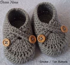 Crochet Crossover Baby Shoes | Crochet Criss Cross Baby Booties by DivineNima on Etsy, $15.00