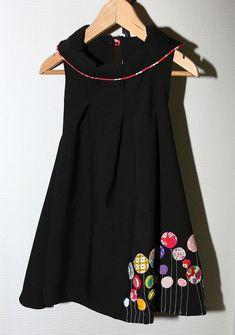 Alula noire à fleurs – Jaime Grains de Couture ! Lined Jeans, Grad Cap, Girls Dresses, Summer Dresses, Patchwork Dress, Kids Fashion, Womens Fashion, Girly Outfits, Embroidery Designs