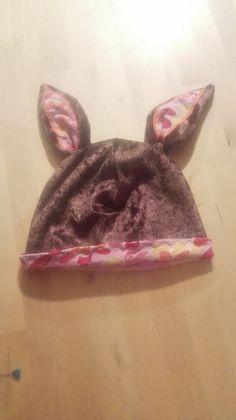 Der Waldschrat wird zum Huhn  Jetzt mal wasSchnelles! Bald ist Osterrn, ein kleines Mützchen für´s Kind einer Freundin. Vielleicht werde ich doch lieber Hase?! Sewing, Bunny, Kids, Dressmaking, Couture, Stitching, Sew, Costura, Needlework