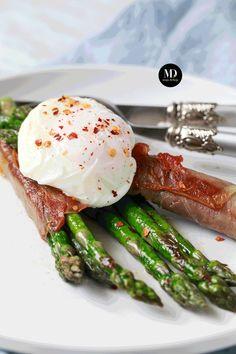 Szparagi w szynce z jajkiem w koszulce + porady jak przygotować danie wcześniej dla większej liczby osób   Moja Delicja Roasted Asparagus with Prosciutto & Poached Egg  #mojadelicja #food #foodporn #photography #foodphotography #asparagus #eggs #yummy #delicious #foodie #foodblogger #foodblog