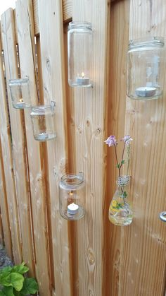 #tuin #jampot #waxinelichtjes #schutting #lampion #buiten #verlichting #versiering Small Gardens, Outdoor Gardens, Indoor Plant Wall, Garden Deco, Side Garden, Garden Terrarium, Yard Design, Garden Styles, Garden Projects
