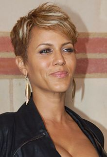 Nicole Ari Parker looks fab with her blonde highlights in her short do