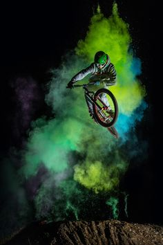 Christoph Jorda freezes BMX bikers splashed with color mid air with the Profoto B1. Watch the behind the scenes video!