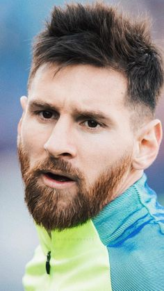 Lionel Messi's Top 10 Most Iconic Hairstyles Lional Messi, Messi And Ronaldo, Cristiano Ronaldo, Lionel Messi Family, Lionel Messi Wallpapers, Argentina National Team, Football Icon, Fc Barcelona, Gareth Bale
