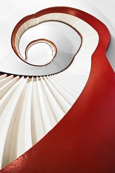 die kleine rote | by sureShut