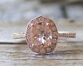 Tételek hasonló Art Deco Oval eljegyzési gyűrű - Morganite és gyémánt, fehér zafír - sunburst, Gatsby - eljegyzés, esküvő, évforduló, koktél, divat, a globális kézműves és vintage piacon.