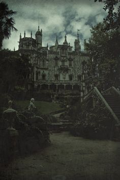 I would like to live here please.  I shall wear a dress of black velvet and sip wine while I gaze into a roaring fire.