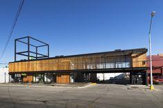 Construido por graciastudio en Ensenada, Mexico con fecha 2013. Imagenes por Luis García. A una hora y media en automóvil de la zona de Tijuana/San Diego, y a 25 minutos del Valle de Guadalupe, podemos encon...
