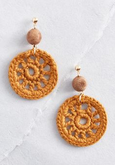 Vivacious Traits Crocheted Earrings - New Site Crochet Crafts, Crochet Lace, Crochet Projects, Diy Projects, Crochet Earrings Pattern, Crochet Patterns, Sienna, Knit Bracelet, Bracelets