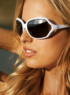 White sunglasses can rock the fashion world in 2012