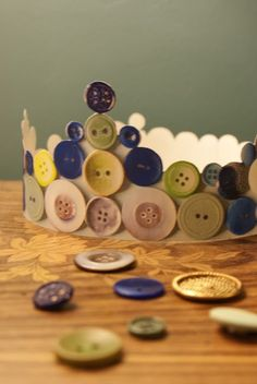A button crown.