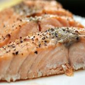 Salmon has so much flavor that the simplest of cooking methods are sometimes the best. The fat content of salmon—luckily it's mostly healthful fatty acids—makes it well suited to high-temperature roasting. Oven Roasted Salmon, Jelly Roll Pan, Salmon Fillets, Cooking Salmon, Fish And Seafood, The Best, Delish, Healthy Eating, Nutrition