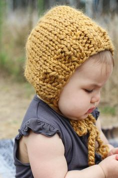 Mustard Yellow Chunky Knit Baby Bonnet Gender Neutral Baby Winter Hat Gift for Baby boy or girl H Mustard Yellow Chunky Knit Baby Bonnet Gender Neutral Baby Winter Hat Gift for Baby boy or girl H Kelly Estes nbsp hellip Neutral Baby Clothing winter Baby Winter Hats, Baby Hats, Baby Fall Fashion, Chunky Babies, Outdoor Baby, Baby Girl Halloween, Gender Neutral Baby Clothes, Hipster Babies, Baby Bonnets