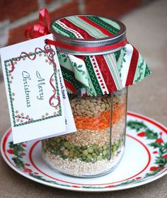 Soup in a Jar Christmas Gifts. Easy, economical, appreciated.