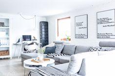 black and white living room scandinavian style